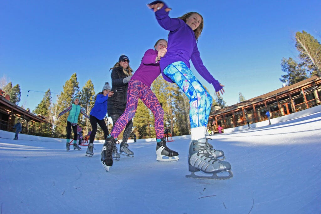 Outdoors_Ice-Skating_Seventh-Mountain-Resort_002