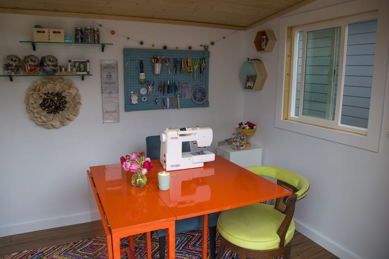 Inside a stylish she shed in Bend, Oregon.