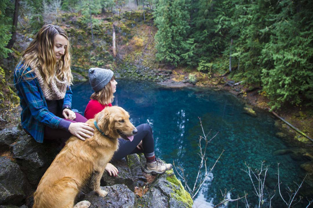 Hiking to Tamolitch Blue Pool on McKenzie River in Oregon