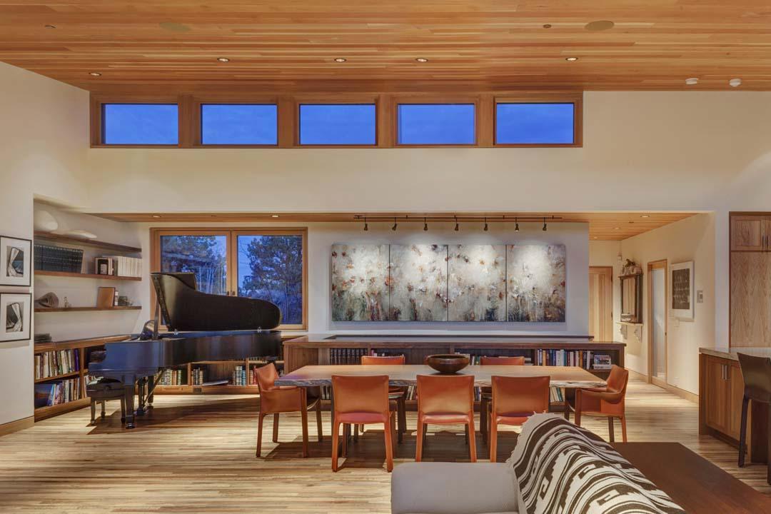 Architecture and home design of the Kalorama home near Bend, Oregon