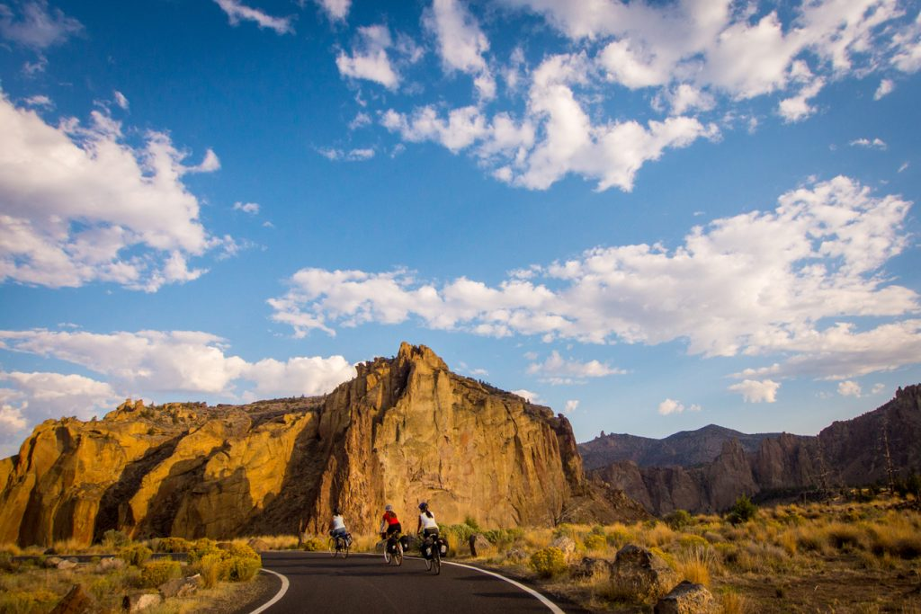 smith rock scenic bikeway cycling central oregon