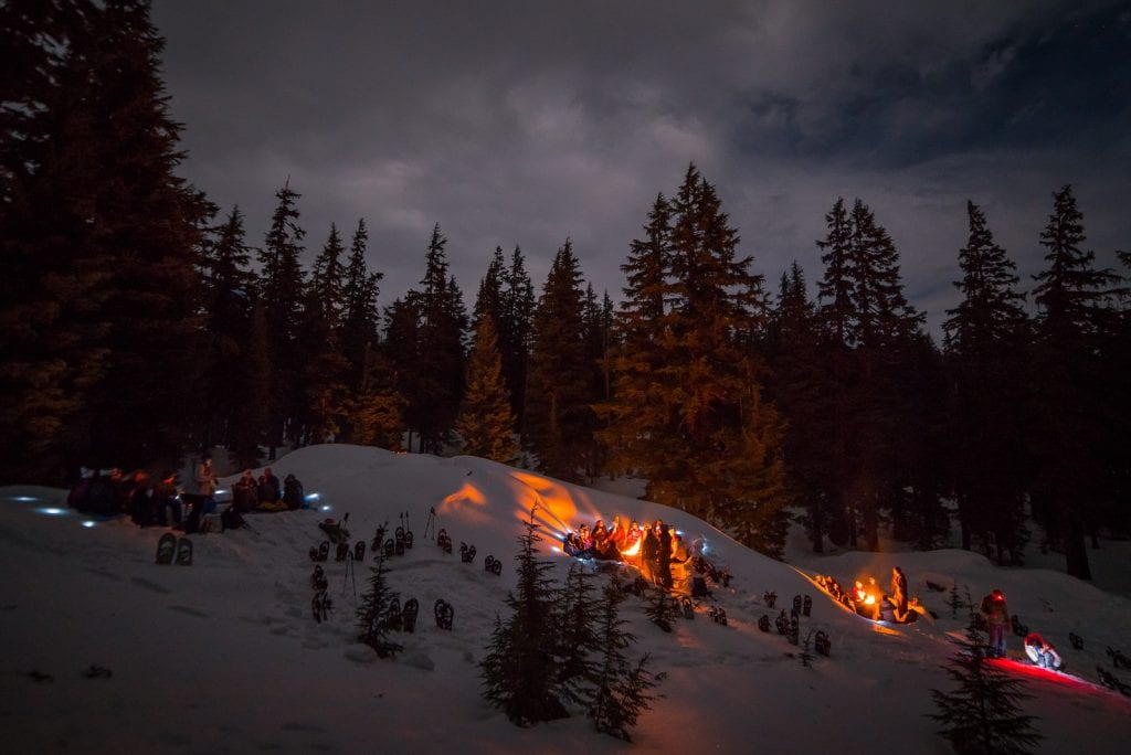 bend oregon new year's eve parties bonfire on the snow wanderlust tours