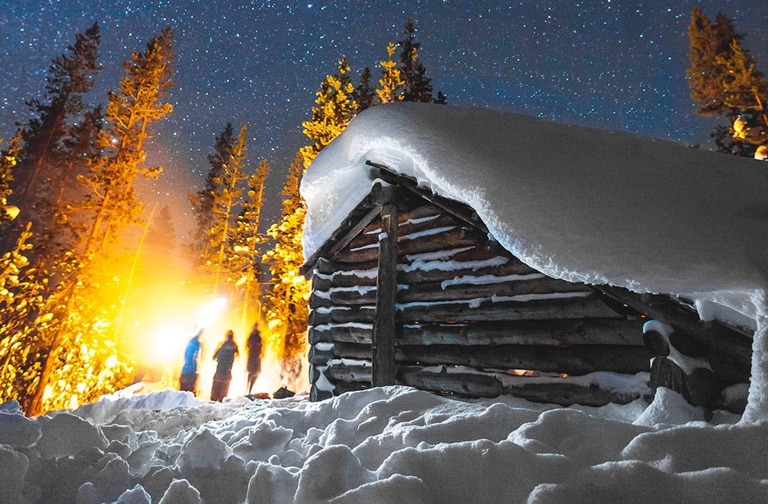 Snowshoe to a warming shelter near Bend, Oregon