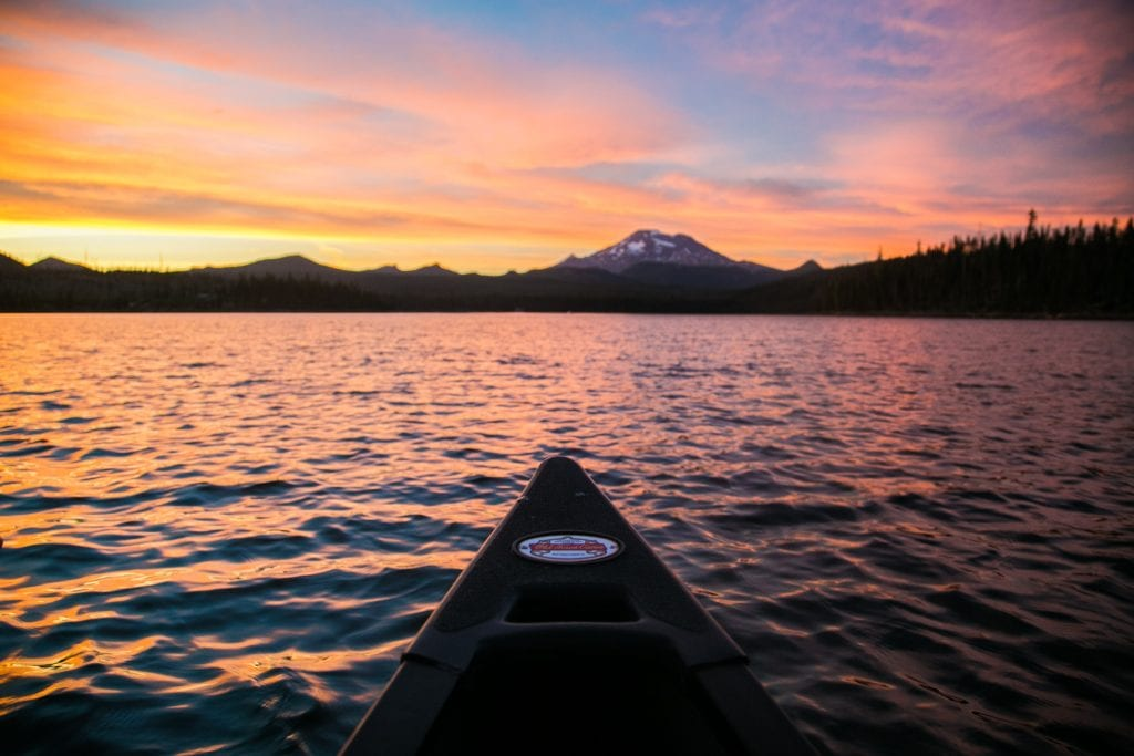Evening canoe trip with Wanderlust Tours in Bend, Oregon